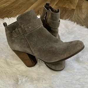 👢Franco Fortini Suede Booties👢